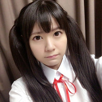 "Voice actress for ""K-On!""s Azunyan Cosplays Her Character"