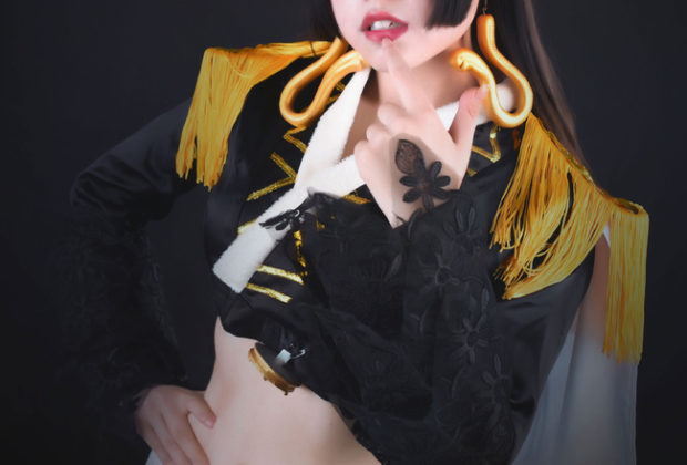 Black & Busty Boa Hancock Cosplay Mesmerizing Indeed