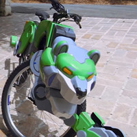 "Father and Son Super-Fans Get Custom ""Voltron"" Lion Bikes"