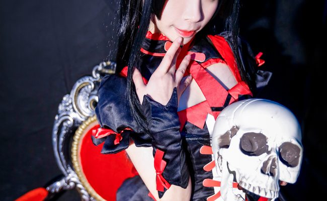 Rory Mercury Cosplay Frighteningly Sexy