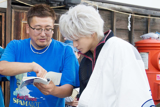 Live-Action Gintama Film's On-Set Photos Show Beetle Hunting, More